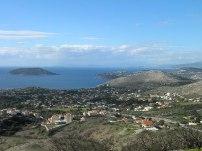 """Ο οικισμός """"ΘΥΜΑΡΙ"""", όπως φαίνεται από τους λόφους της περιοχής τής Αγίας Φωτεινής"""